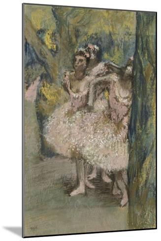 Trois danseuses en jupes saumon-Edgar Degas-Mounted Giclee Print