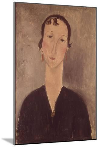 Femme aux boucles d'oreilles-Amedeo Modigliani-Mounted Giclee Print