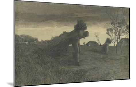Le Dernier labeur du jour ou porteurs de fagots ou retour de la forêt-Giovanni Segantini-Mounted Giclee Print