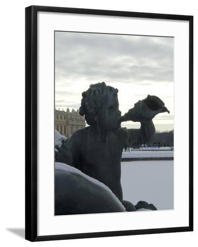 vue du parc: parterre d'Eau, bassin du nord, margelle nord: nymphe allongée appuyée sur un-Philippe Magnier-Framed Art Print