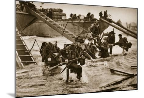 The First British Troops Disembark from the Specially Designed Landing Ladders-English Photographer-Mounted Giclee Print