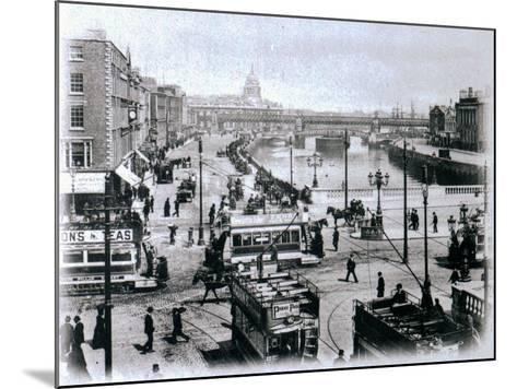 O' Connell Bridge and the River Liffey, Dublin, C.1900-Irish Photographer-Mounted Giclee Print