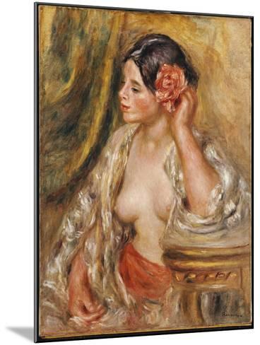 Gabrielle a Sa Coiffure, 1910-Pierre-Auguste Renoir-Mounted Giclee Print