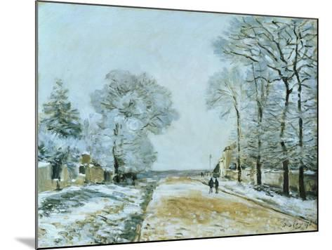 The Road, Snow Effect, 1876-Alfred Sisley-Mounted Giclee Print