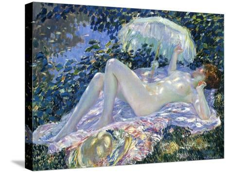 Sunbathing, C.1913-Frederick Carl Frieseke-Stretched Canvas Print
