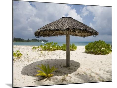 Sun Shade on Beach, Taj Denis Island Resort, Denis Island, Seychelle-Holger Leue-Mounted Photographic Print
