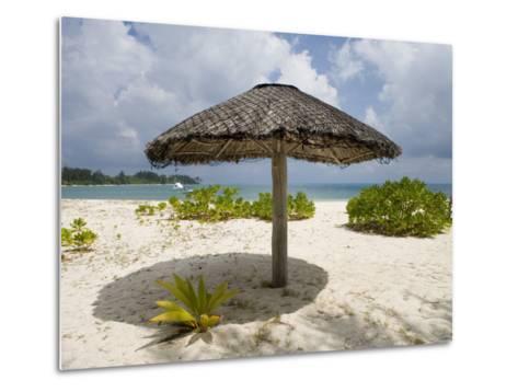 Sun Shade on Beach, Taj Denis Island Resort, Denis Island, Seychelle-Holger Leue-Metal Print