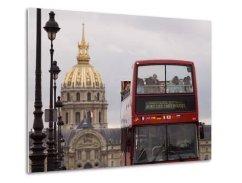 Open Top Tour Bus on Pont Alexandre-Will Salter-Metal Print