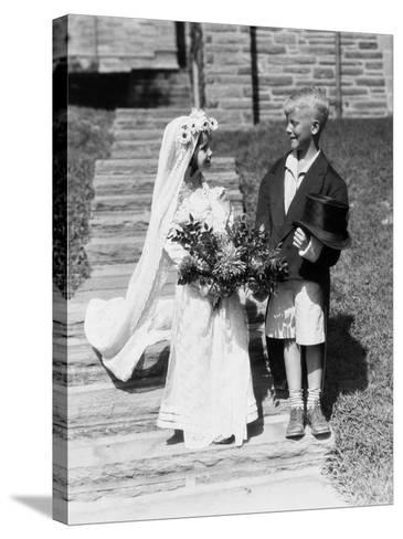 Young Bride and Groom-H^ Armstrong Roberts-Stretched Canvas Print