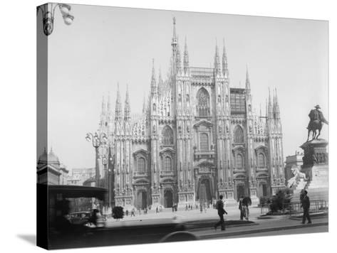 Piazza Del Duomo--Stretched Canvas Print