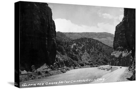 Colorado - Glenwood Canyon and Colorado River-Lantern Press-Stretched Canvas Print