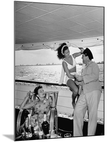 Miami Night Club Performers Future Fulton and Henry Dubbon Relaxing with Peggy Martin--Mounted Photographic Print