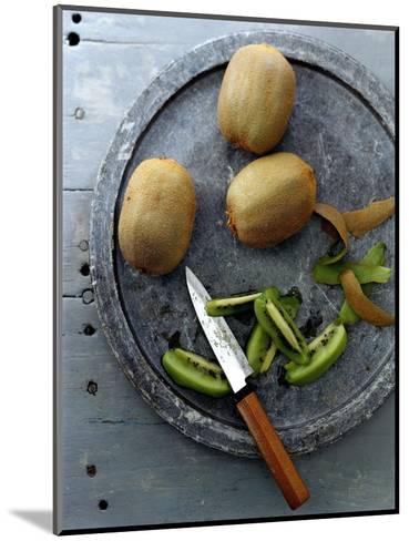 Gourmet - November 2006-Romulo Yanes-Mounted Premium Photographic Print