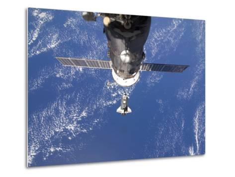 Space Shuttle Discovery Approaches the International Space Station-Stocktrek Images-Metal Print