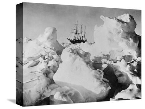 Ernest Shackleton's Ship Endurance Trapped in Ice-Bettmann-Stretched Canvas Print