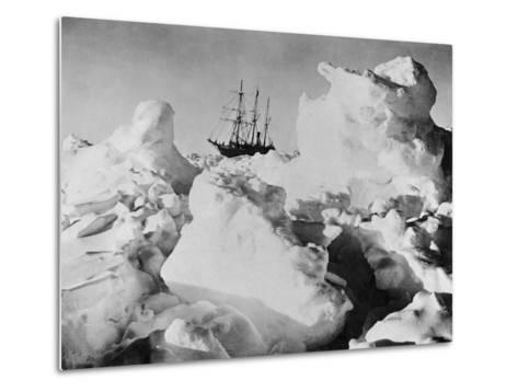 Ernest Shackleton's Ship Endurance Trapped in Ice-Bettmann-Metal Print