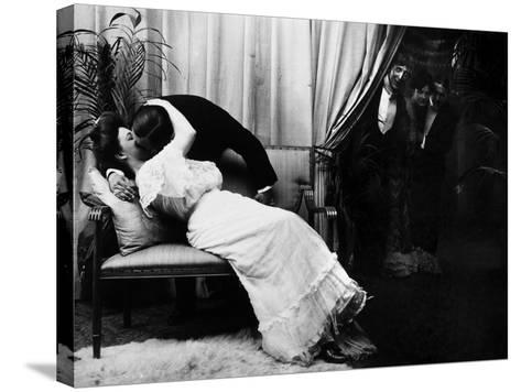 Kissing, C1900-Fritz W. Guerin-Stretched Canvas Print