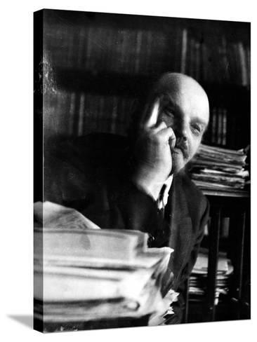 Vladimir Lenin (1870-1924)--Stretched Canvas Print