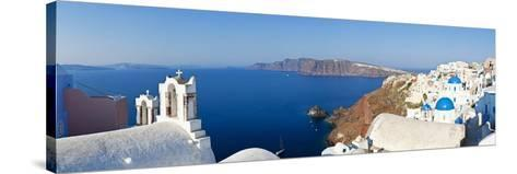 Blue Domed Churches in the Village of Oia, Santorini (Thira), Cyclades Islands, Aegean Sea, Greece-Gavin Hellier-Stretched Canvas Print