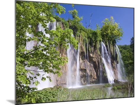 Veliki Prstavac Falls, Plitvice Lakes National Park (Plitvicka Jezera), Lika-Senj County, Croatia-Ruth Tomlinson-Mounted Photographic Print