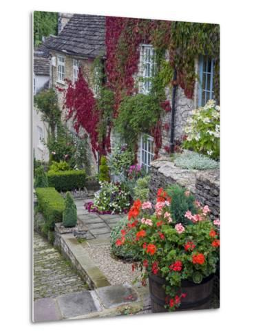 Cottage on Chipping Steps, Tetbury Town, Gloucestershire, Cotswolds, England, United Kingdom-Richard Cummins-Metal Print