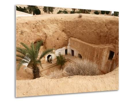 Troglodyte Pit Home, Berber Underground Dwellings, Matmata, Tunisia, North Africa, Africa-Dallas & John Heaton-Metal Print