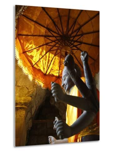 Vishnu Statue, Angkor Wat, Angkor, UNESCO World Heritage Site, Siem Reap, Cambodia--Metal Print