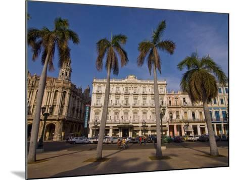 Old Colonial Houses in the Center of Havana, Cuba, West Indies, Caribbean, Central America--Mounted Photographic Print