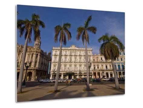 Old Colonial Houses in the Center of Havana, Cuba, West Indies, Caribbean, Central America--Metal Print
