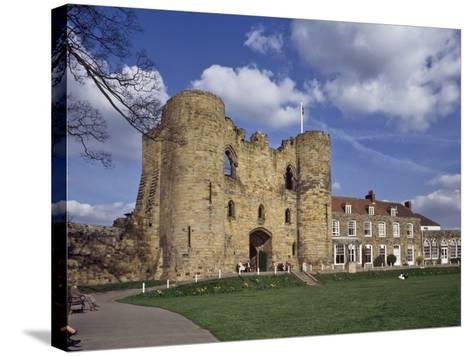 The Keep and Inner Courtyard of Tonbridge Castle, Tonbridge, Kent, England, United Kingdom, Europe--Stretched Canvas Print