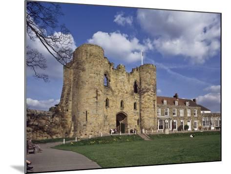 The Keep and Inner Courtyard of Tonbridge Castle, Tonbridge, Kent, England, United Kingdom, Europe--Mounted Photographic Print