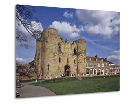 The Keep and Inner Courtyard of Tonbridge Castle, Tonbridge, Kent, England, United Kingdom, Europe--Metal Print