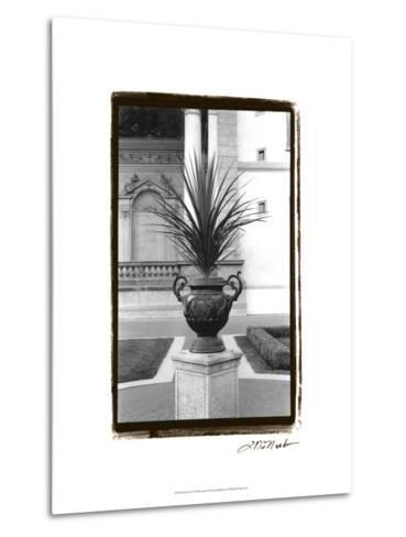 Royal Urn I-Laura Denardo-Metal Print
