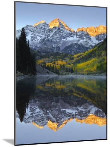 The Maroon Bells in Autumn-Robbie George-Mounted Photographic Print