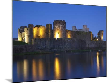 Caerphilly Castle, Mid Glamorgan, Wales, United Kingdom, Europe-Billy Stock-Mounted Photographic Print