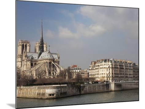Ile De La Cite and Notre Dame Cathedral, Paris, France, Europe-Martin Child-Mounted Photographic Print