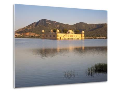 The Jai Mahal (Lake Palace), Jaipur, Rajasthan, India-Gavin Hellier-Metal Print
