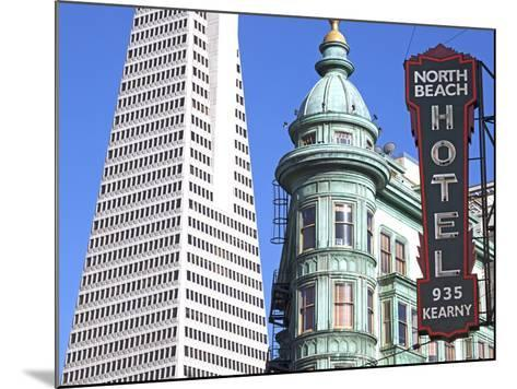Trans America Building and Victorian Architecture, San Francisco, California, United States of Amer-Gavin Hellier-Mounted Photographic Print