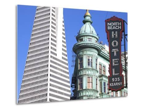 Trans America Building and Victorian Architecture, San Francisco, California, United States of Amer-Gavin Hellier-Metal Print