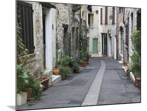 Vence, Alpes Maritimes, Provence, Cote D'Azur, France, Europe-Wendy Connett-Mounted Photographic Print