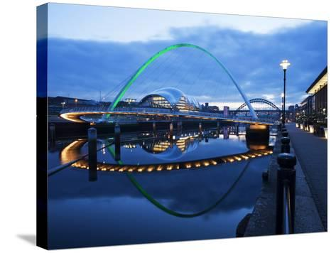 Gateshead Millennium Bridge, the Sage and Tyne Bridge at Dusk, Spanning the River Tyne Between Newc-Mark Sunderland-Stretched Canvas Print