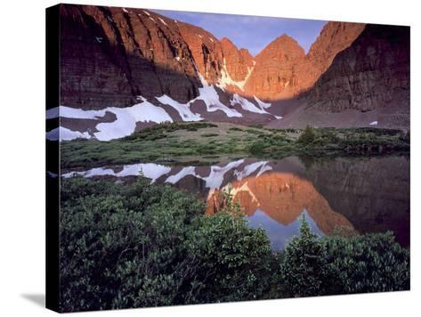Morning Light on Quartzite Cliffs of Red Castle Peak, High Uintas Wilderness, Utah, Usa-Scott T^ Smith-Stretched Canvas Print