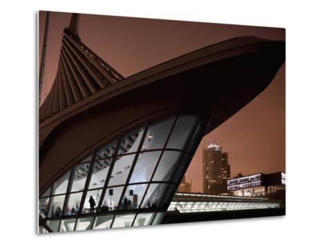 Museum of Art Building and City Skyline in Fog on Spring Evening, Milwaukee, Wisconsin, Usa-Paul Souders-Metal Print