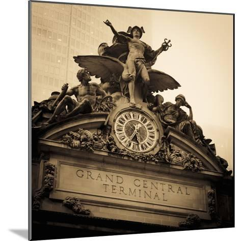 USA, New York City, Manhattan, Midtown, Grand Central Station-Alan Copson-Mounted Photographic Print