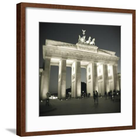 Brandenburg Gate, Pariser Platz, Berlin, Germany-Jon Arnold-Framed Art Print