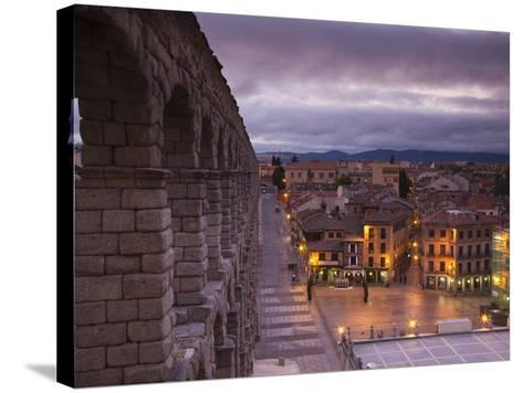 Spain, Castilla Y Leon Region, Segovia Province, Segovia, Town View over Plaza Azoguejo with El Acu-Walter Bibikow-Stretched Canvas Print