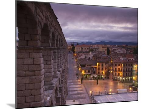 Spain, Castilla Y Leon Region, Segovia Province, Segovia, Town View over Plaza Azoguejo with El Acu-Walter Bibikow-Mounted Photographic Print