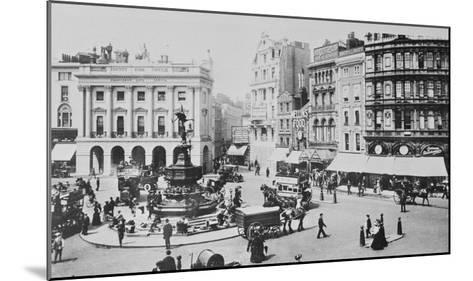 View of Piccadilly Circus, C. 1900 (B/W Photo)-English Photographer-Mounted Giclee Print