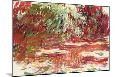 Waterlily Pond, 1918-19-Claude Monet-Mounted Giclee Print