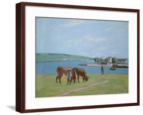 Cows on the Banks of the Seine at Saint-Mammes (Pastel)-Alfred Sisley-Framed Art Print